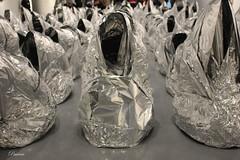 Ghost de Kader Attia (Paco Vicario) Tags: obra de arte artwork interior inside foil aluminio aluminum museo museum brillo shine vacío hueco gap