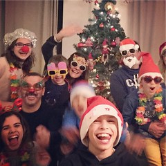 (Locas) Tags: friends tradições party christmas últimojantarnatal coolkids happiest memoriasvida simpleliving fearless happylife happykid indios piratas natal2016