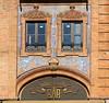 Séville (hans pohl) Tags: espagne andalousie séville fenêtres windows façades architecture arches publicités advertising
