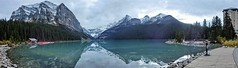 Lake Louise Panorama in the evening - Banff National Park, Alberta, CA (André-DD) Tags: cans2s canada kanada urlaub vacation alberta herbst fall autumn outdoor wasser water see lake view aussicht himmel wolken clouds mountain landscape hill cloud sky mountainside reflection reflektion lakelouise banff national park banffnationalpark nationalpark bäume baum tree trees watercourse creek serene mountains berge berg natur nature louise