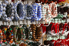 Bracelets (radimersky) Tags: bracelets bransoletki kolory colours chinatown singapore singapur chińskadzielnica dmclx100 panasonic lumix micro four thirds 43 stall stand stoisko handel streettrading asia azja handeluliczny bazar 3840x2560