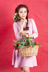 AKU_6055 (Akasumoto) Tags: 85l look girl beautiful canon 1dsmark3 1dsmarkiii portrait vietnam body color lighting strobe studio chair hair fly flower