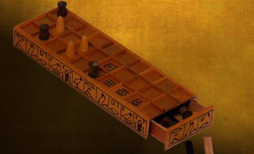 "Senet - Lujoso sistema de objetos lúdicos obsequio del dios Toht a la faraona Nefertari • <a style=""font-size:0.8em;"" href=""http://www.flickr.com/photos/30735181@N00/32399620841/"" target=""_blank"">View on Flickr</a>"