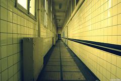 Couloir de carrelage