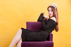 AKU_5990 (Akasumoto) Tags: 85l look girl beautiful canon 1dsmark3 1dsmarkiii portrait vietnam body color lighting strobe studio chair hair fly flower