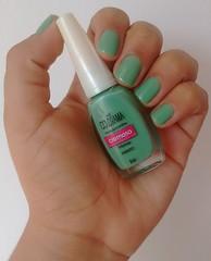 Desafio dos Clássicos - 1 - Absinto - Colorama (Thayná_Moraes) Tags: desafiodosclassicos colorama verde absinto nailpolish