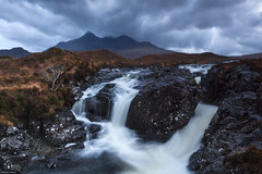 Sligachan River (Antonio Carrillo (Ancalop)) Tags: sunset mountains skye canon river atardecer scotland soft escocia 09 lee isle 1740mm montaas density ecosse neutral cuillin sligachan gradual canon1740mmf4l neutra gnd densidad glensligachan antoniocarrillo 5dmarkii highlads ancalop lucroit leesoft09gnd wwwantoniocarrillocom