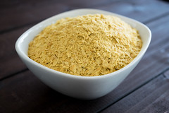 nutritional yeast (Husbands That Cook) Tags: vegan lemon tofu casserole pasta vegetarian garlic mustard turmeric thyme macandcheese nutritionalyeast veganomicon veganmacandcheese