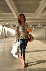 Parking photo!!! (@Maphe) Tags: woman baby sexy luz look fashion walking nikon parking models mother bella bots imagen shoping nikon3300