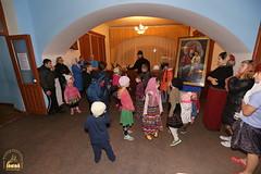 04. Humanitarian assistance for refugees at Svyatogorsk Lavra / Раздача гуманитарной помощи беженцам Лавры