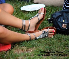 IMG_0819 (sdttds) Tags: feet barefeet arches soles toes pretty sexy beautiful fuesse füse pies wawae pieds フィート腳 ноги miguu ฟุต chân delightful gorgeous strappy sandals shoes asian footwear gladiatorsandals
