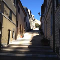 Numana (AN) - La Costarella (Grandangolo) Tags: numana ancona mare adriatico scalinata costarella sole luce ombre sea italia italy italien italie ombra