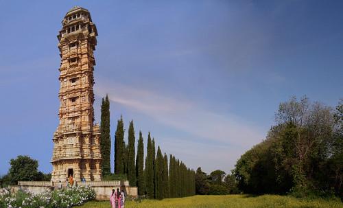 "Torres legendarias / Faros, minaretes, campanarios, rascacielos • <a style=""font-size:0.8em;"" href=""http://www.flickr.com/photos/30735181@N00/32493409056/"" target=""_blank"">View on Flickr</a>"