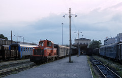 241-48 (rolfstumpf) Tags: greece pireas station locomotive train travel transport railway railroad mitsubishi