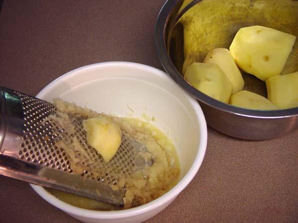 Лечить язву желудка можно картошкой