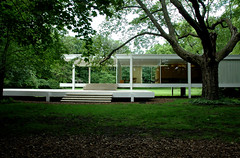 Mies' Farnsworth House (suttonhoo) Tags: chicago architecture modernism farnsworth plano mies farnsworthhouse shtrstck