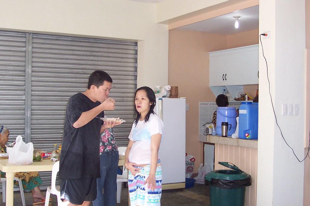 Husband & wife pregnant