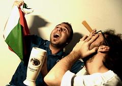 Italia-Germania 2-0 (preju_13) Tags: italia spaghetti birra germania vittoria idiozia teatranti