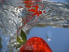 Fresh!!! (Tonym1) Tags: water strawberry