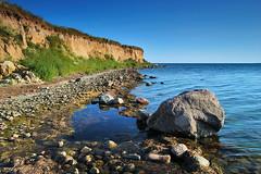 Clear Air And Stones (Dietrich Bojko Photographie) Tags: seascape d50 germany landscape deutschland 500v20f searchthebest webinteger quality balticsea nikond50 rgen ruegen circularpolarizer 18mm nikkor1855mm cokinp121m cokinp164 reddevitz gnd4