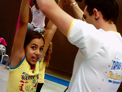 Treinando! (Talita Souza) Tags: park girl training kid circo arms circus raised practicing