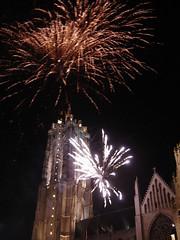 Vuurwerk Sint Rombouts (Tom Andries) Tags: night lights fireworks nightsky mechelen afterdark vuurwerk malines sintromboutstoren sintrombouts cityofmechelen