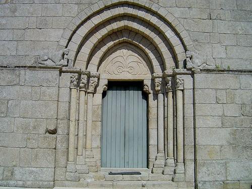 Igreja de Tarouquela - Portugal par Portuguese_eyes