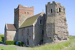 Saxon Church and Roman Lighthouse (f0rbe5) Tags: stmaryincastro saxon church roman lighthouse dubrispharos dubris pharos octagonal flint tower dovercastle dover castle 2006 wow 350d england uk saxonchurch building romanlighthouse octagonaltower