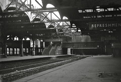 Birmingham Snow Hill Autumn 1969 (loose_grip_99) Tags: uk railroad bridge england abandoned 1969 station train blackwhite birmingham noiretblanc platform rail railway tunnel trains disused railways gwr britishrailways snowhill greatwestern