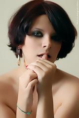 .s.@.bor (Thais Kozievitch) Tags: woman selfportrait me d50 casa nsmoramosnoflickr thais thaiskozievitch kozievitch 60mmf28dmicro sorvetedepistache abigfave