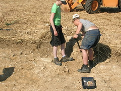 DSCN3095 (wickenpedia) Tags: archaeology sarah jen timeteam wicken wwwwickenarchaeologyorguk