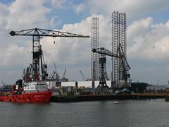 Rotterdamspido2006 099 (tjabeljan) Tags: holland netherlands port rotterdam ship harbour container wilton kraan spido botlek verolme rdm waterweg tjabeljan