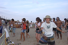 BEACH PARTY @ Suma Beach Uminchu DSC_0388 (Tagawa Tsuyoshi) Tags: party summer vacation people hot beach japan fun nikon d70 kobe redbull suma