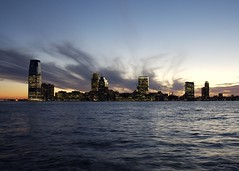 Jersey City Across the Hudson (Richard-) Tags: newyorkcity sunset raw dusk 2006 hudsonriver canoneos5d canonef35mmf14lusm