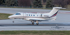 20160104_0148 (HarryMorrowPhotography) Tags: imagescopyrightofharrymorrowtradingasharrymorrowphotogr imagescopyrightofharrymorrowtradingasharrymorrowphotography n309qs netjets embraer phenom 300 seen here port columbus oh very wintery day full snow showers jan 2016