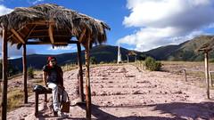 Pampa de Quinua - Ayacucho (jimmynilton) Tags: peru de obelisco ayacucho pampa choza quinua