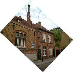 Unusual chimney, Bruges (GothPhil) Tags: roof chimney architecture buildings belgium stonework brugge july bruges cobbles brickwork 2015 oostmeers