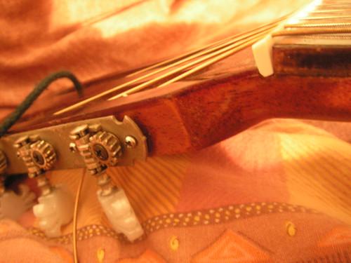Mécaniques de guitare fendue