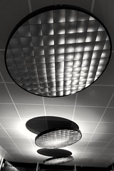Blackfriars Station lighting (35mmMan) Tags: lighting urban abstract london texture monochrome architecture modern blackwhite pattern shapes ceiling android londonblackfriarsrailwaystationbfr samsungkzoom