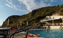 Hotel Sirios (ForceMajeureMontenegro) Tags: pool greece griechenland lefkada  grka kathismabeach hotelsirios