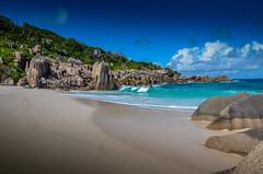 Plage anse Marron Seychelles (NICOLAS POUSSIN PHOTOGRAPHIE) Tags: soleil eau sable bleu coco fin vague plage rocher palmier bois seychelle turquoide