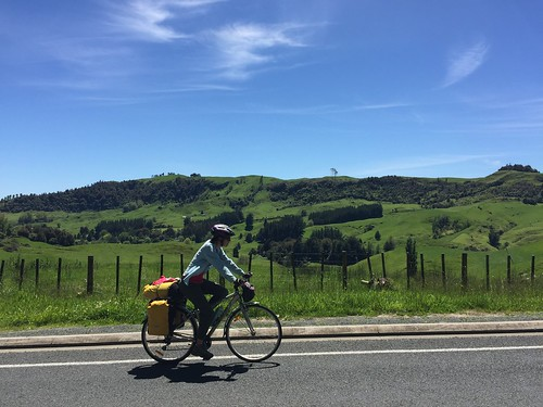 Another beautiful day for cycling in New Zealand