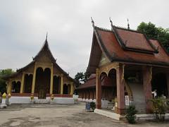 """Luang Prabang: le temple Vat  Sene Soukharam <a style=""""margin-left:10px; font-size:0.8em;"""" href=""""http://www.flickr.com/photos/127723101@N04/23501403649/"""" target=""""_blank"""">@flickr</a>"""