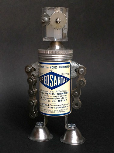 Scrap metal robot Ureosantal