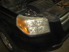 2003-2008 Honda Pilot Headlight Housing - Changing Burnt Out Low Beam, High Beam, Front Turn Signal, Side Marker & DRL (Daytime Running Lamp) Light Bulbs (paul79uf) Tags: 2003 2004 2005 2006 2007 2008 honda pilot suv headlight bulbs lamp light change burnt out changing replace replacing replacement guide howto diy tutorial instructions steps part number como hacer cambiar bombilla low beam high front turn signal side marker sidemarker drl daytime running numero de parte housing assembly socket halogen led upgrade