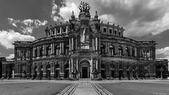 Semperoper, Dresden (Codex IV) Tags: architektur city cityscape nikond80 profan semperoper sigma100200 stadt stadtansicht architecture dresden sachsen deutschland de