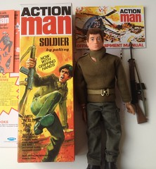 Action Man (Nobo Sprits) Tags: action man palitoy gi joe gripping hands hair soldier figure 70s box pop soldaat vintage speelgoed