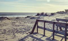 Falta menos... (GaboUruguay) Tags: costa beach nature uruguay coast madera sand natural playa calm arena maldonado calmo costero baranda
