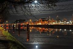 spiegelglad kanaal door Walcheren (Omroep Zeeland) Tags: door kanaal middelburg walcheren spiegelglad