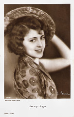 Jenny Jugo (Truus, Bob & Jan too!) Tags: cinema film hat sepia vintage germany movie deutschland star ross glamour kino european silent postcard jenny picture cine screen actress movies postal postale cartolina carte deutsch austrian allure binder jugo postkarte filmstar ansichtskarte schauspieler schauspielerin ansichtkaart filmster postkaart briefkaart tarjet jennyjugo alexbinder rossverlag briefkarte